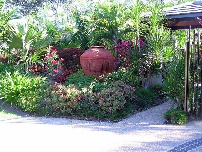 Townsville garden suzan quigg landscape design for Garden designs queensland